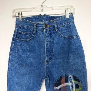 Neptune Vintage High Waist Mom Jeans Graphic 26